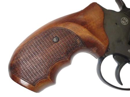 Holzgriffschalen für Revolver
